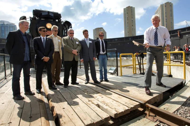 Iconic Downtown Railway Heritage Site Welcomes Leon U0026 39 S